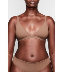 women's skims fits everybody triangle bralette, size xx-small - brown