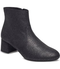 karisi_f17_sta shoes boots ankle boots ankle boots with heel svart unisa