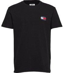 tjm tommy badge tee t-shirts short-sleeved svart tommy jeans