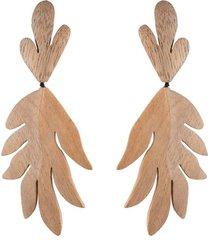 natori acacia wood tan leaf clip earrings, women's