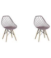 conjunto com 2 cadeiras base madeira cloe camurça