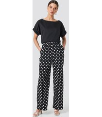 na-kd dotted wide pants - black