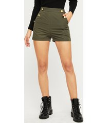 green button diseño shorts de talle alto