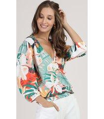 blusa feminina estampada floral com transpasse manga 3/4 decote v off white