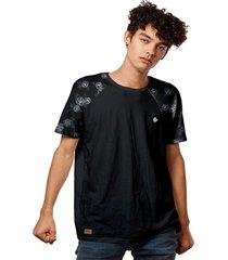 camiseta t-shirt raglan flowers design white - preto - masculino - dafiti