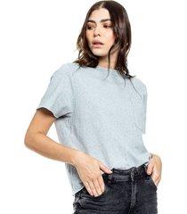 camiseta cuello redondo eco recycle con bolsillo y ruedo de manga al corte color blue