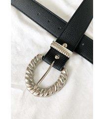 cinturon negro a lo juana ostri