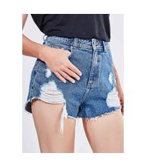short hot pants com puídos