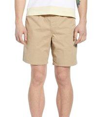 vans range shorts, size x-large in khaki at nordstrom