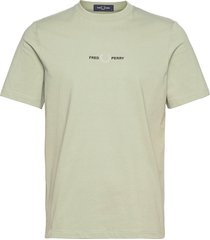 embroidered tee t-shirts short-sleeved grön fred perry