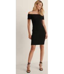 na-kd basic recycled off shoulder ribbed dress - black