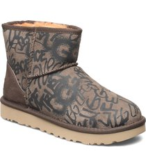 w classic graff mini shoes boots ankle boots ankle boot - flat brun ugg
