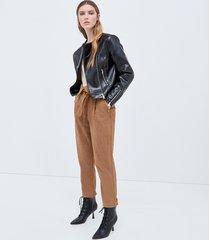 motivi pantaloni carrot effetto suède donna marrone
