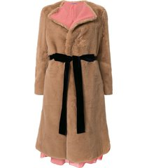 sueundercover sux belted faux fur coat - brown
