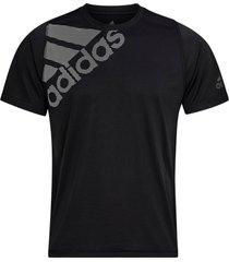 tränings-t-shirt freelift badge of sport graphic