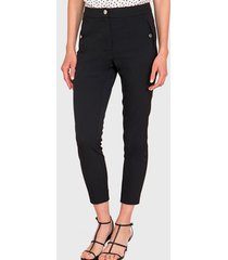 pantalón ash pitillo con botón en bolsillos negro - calce ajustado