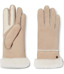 women's ugg seamed touchscreen compatible genuine shearling lined gloves, size small - beige