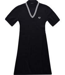 fred perry v-insert knitted dress | black | d1168-102