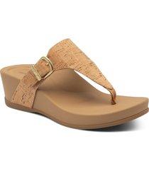 women's aetrex kate water resistant wedge flip flop, size 11us - brown