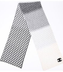 chanel black white ombre quilted cc scarf black/white/logo sz: