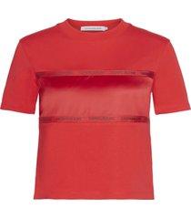 camiseta manga corta tonal tape satin insert t-shirt rojo calvin klein
