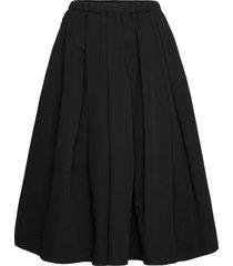 miramas knälång kjol svart stylein