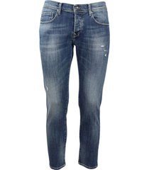 4-pocket jeans in micro-patterned denim with abrasions