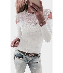 bodycon camiseta blanca de manga larga con encaje y hombros descubiertos