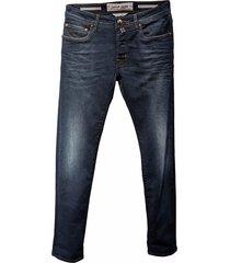 j688 medium wash jeans