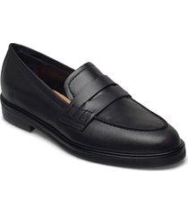 sara black leather loafers låga skor svart flattered