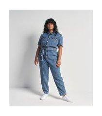 macacão longo jeans com mangas bufante e cinto curve e plus size azul