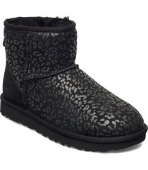 w classic mini slprd shoes boots ankle boots ankle boot - flat svart ugg