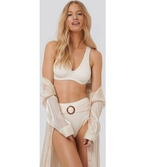 na-kd swimwear ribbed high waist buckle bikini panty - white