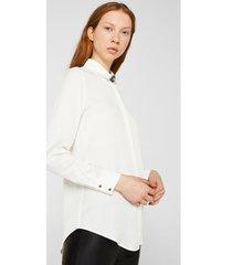 blusa camisera con broche  blanco esprit