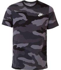 camiseta nike sportswear nsw camo op ss grafite - kanui