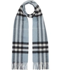 burberry the classic check cashmere scarf - blue