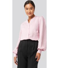 na-kd trend structure crew neck shirt - pink