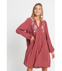 lichte jurk met borduursel