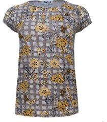 camiseta estampada cuadros y flores color negro, talla xs