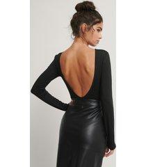 trendyol body med öppen rygg - black