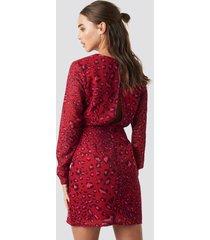 na-kd open back short dress - red
