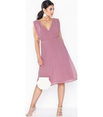 nly eve plisse goddess dress loose fit