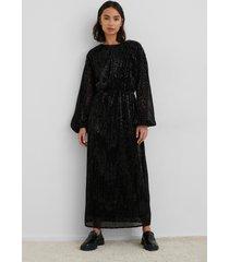 na-kd party open back sequin dress - black