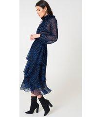 na-kd boho high neck frill midi dress - blue,multicolor