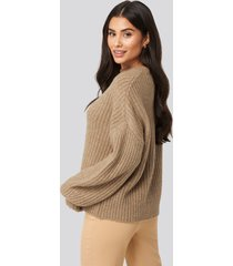 dilara x na-kd dropped shoulder oversized knitted sweater - beige