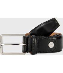 cinturón negro-plateado calvin klein