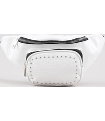 pochete feminina texturizada croco com bolsos e tachas branca