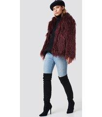 linn ahlborg x na-kd fluffy faux fur jacket - red,purple