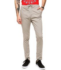 pantalon chino gabardina cintura con cordon.