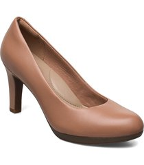 adriel viola shoes heels pumps classic beige clarks
